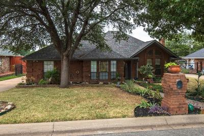North Richland Hills Single Family Home For Sale: 7221 Post Oak Drive
