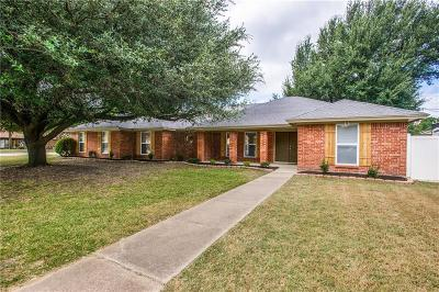 North Richland Hills Single Family Home For Sale: 5701 Bermuda Drive