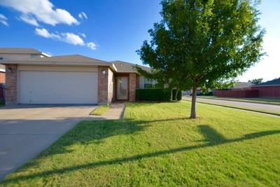 Fort Worth Single Family Home Active Option Contract: 957 Stone Chapel Way