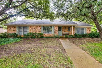 Hurst Single Family Home For Sale: 2817 Hurstview Drive