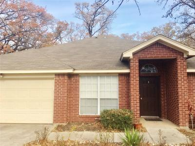 Azle Single Family Home For Sale: 553 Dylan Court