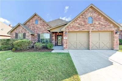 Benbrook Single Family Home For Sale: 553 Sterling Drive