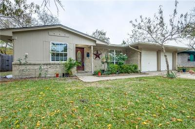 Single Family Home For Sale: 817 Wisteria Way