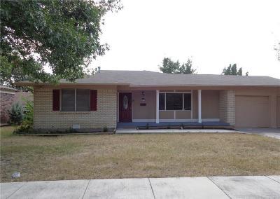 Haltom City Single Family Home For Sale: 5412 Bonnie Wayne Street