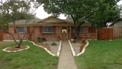 Plano Single Family Home Active Contingent: 1617 Debbie Drive