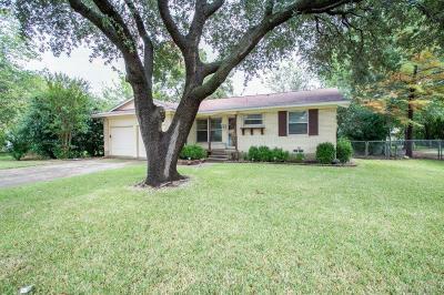 Farmers Branch Single Family Home For Sale: 13512 Challaburton Drive