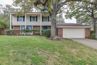 Euless Single Family Home For Sale: 1819 Marlene Drive