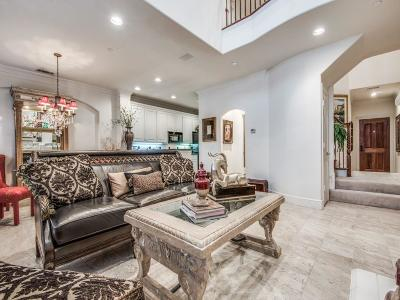 Addison Townhouse Active Option Contract: 14869 Towne Lake Circle