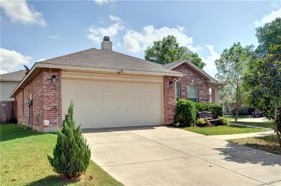 Fort Worth Single Family Home For Sale: 16728 Woodside Drive
