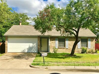 Tarrant County Single Family Home For Sale: 3217 Appomattox Drive