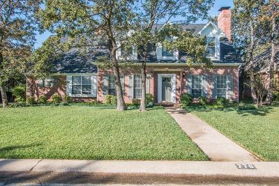 Highland Village Single Family Home For Sale: 770 Oak Hollow Lane