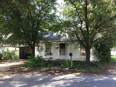 Comanche County Single Family Home For Sale: 105 W College