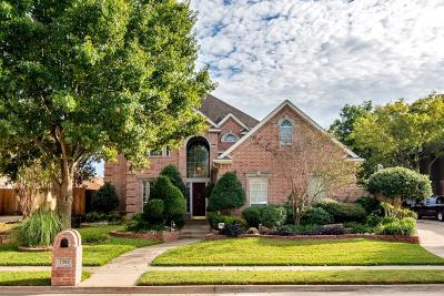 Bedford Single Family Home For Sale: 1204 Carousel Drive