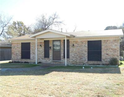 Irving Single Family Home For Sale: 2804 Burning Tree Lane