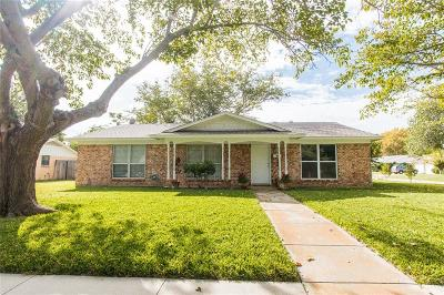 North Richland Hills Single Family Home Active Contingent: 5133 Karen Drive