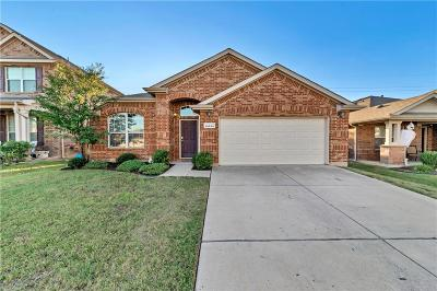 Fort Worth Single Family Home For Sale: 15645 Landing Creek Lane