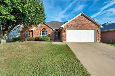 Fort Worth Single Family Home For Sale: 4816 Barberry Drive