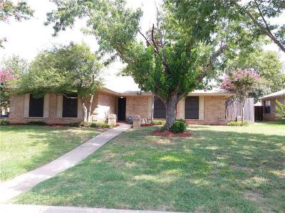 North Richland Hills Single Family Home Active Kick Out: 6801 Ridgetop Road