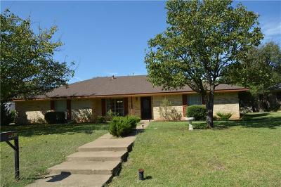 Highland Village Single Family Home For Sale: 493 Mosswood Drive