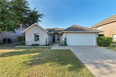 Haltom City Single Family Home For Sale: 5328 Chessie Circle