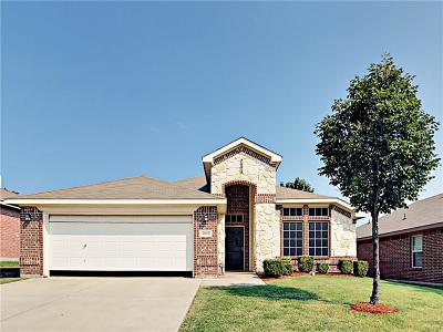 Fort Worth Single Family Home For Sale: 10108 Cougar Trail