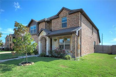 Single Family Home For Sale: 1811 Enchanted Cove