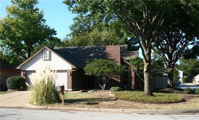 Haltom City Single Family Home For Sale: 4109 Vincent Terrace