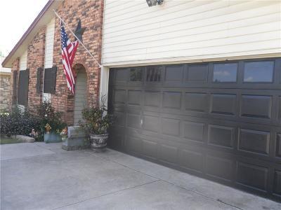 Haltom City Single Family Home For Sale: 4332 Aspen Way
