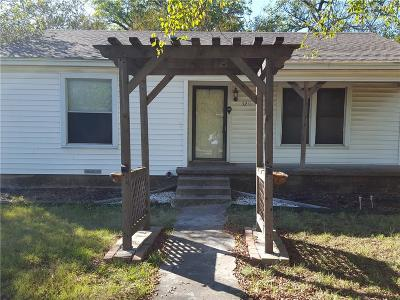 Single Family Home For Sale: 3211 N Central