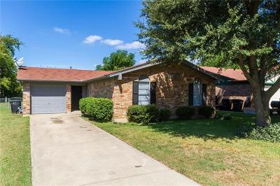 Cleburne Single Family Home Active Option Contract: 1424 Mimosa Street