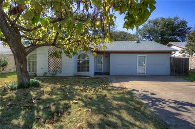 Denton Single Family Home For Sale: 1205 Autumn Oak Drive