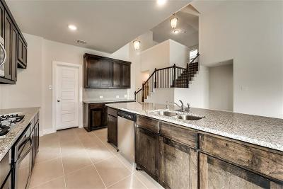 Aubrey Single Family Home For Sale: 712 Nathanael Greene Court