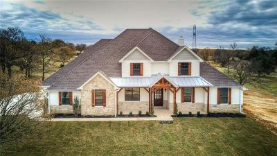 Cleburne Single Family Home For Sale: 4016 Highland Oaks Lane