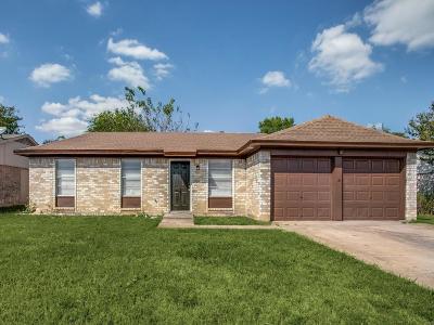 Watauga Single Family Home For Sale: 6033 Kary Lynn Drive S
