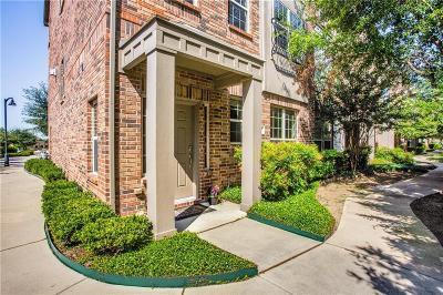 Addison Townhouse For Sale: 3900 Amberwood Drive