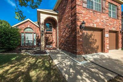 Fort Worth TX Single Family Home For Sale: $284,900