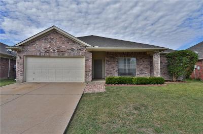 Arlington Single Family Home For Sale: 905 Shoal Creek Drive