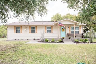 Denton County Single Family Home For Sale: 409 N Walnut Street