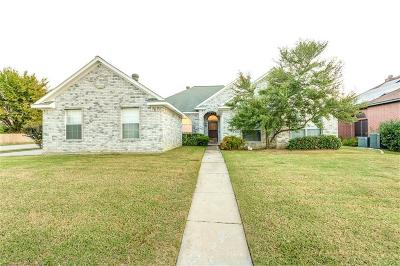 North Richland Hills Single Family Home For Sale: 6744 Moss Lane
