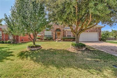 Mansfield Single Family Home For Sale: 711 Crockett Drive