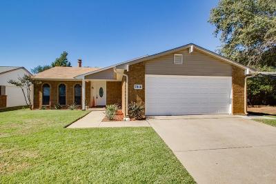 Fort Worth Single Family Home For Sale: 7816 Landmark Ridge Street