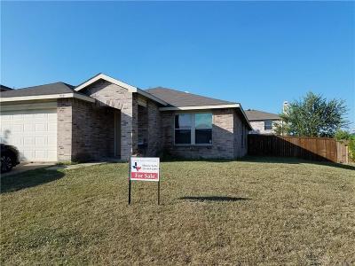 Arlington Single Family Home For Sale: 939 White Dove Drive