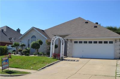 Haltom City Single Family Home For Sale: 3325 Jack Atkins Court