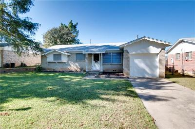 Euless Single Family Home Active Option Contract: 212 S Sheppard Drive