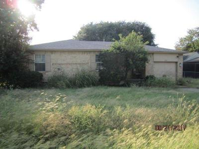 Dallas County Single Family Home For Sale: 3527 Waters Street