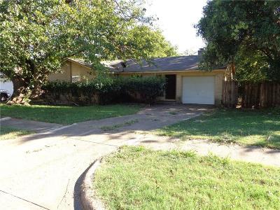 Duncanville Single Family Home For Sale: 302 Shorewood Drive
