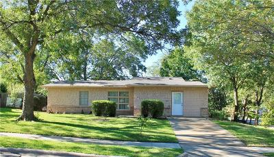 Farmers Branch Single Family Home For Sale: 2606 Overland Drive