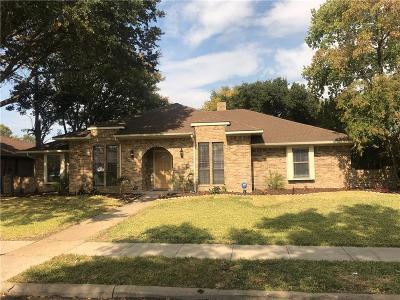 Carrollton Single Family Home For Sale: 2219 Ridgewood