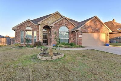 Kennedale TX Single Family Home For Sale: $280,000