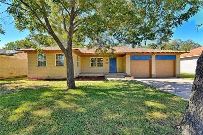 Cleburne Single Family Home For Sale: 1204 S Ridgeway Drive
